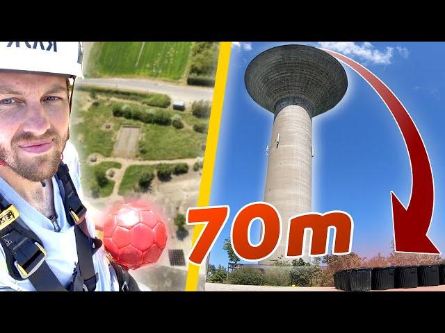 Puissance 4 Géant du haut d'un château d'eau (70m de hauteur) - Pierre Croce