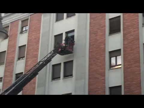 Intervención de los bomberos en Ordoño II
