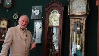 Туровинин В.П. напольные часы- это музыкальный инструмент. Они должны украшать жизнь в доме.
