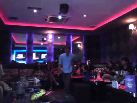 Party in micrhopon