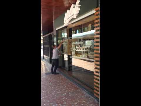Cerramientos De Terraza Con Cortina De Cristal En Bares Y Restaurantes