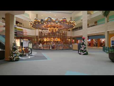 Foster the People- Pumped Up Kicks (playing in an empty shopping centre)