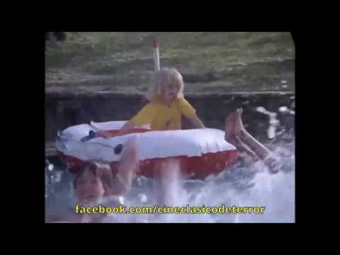 "Escena de ""Piranha (1978) [CINE CLASICO DE TERROR]"
