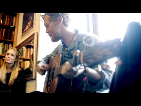 #500 Glen Hansard & Lisa Hannigan at Shakespeare&Co - part 1
