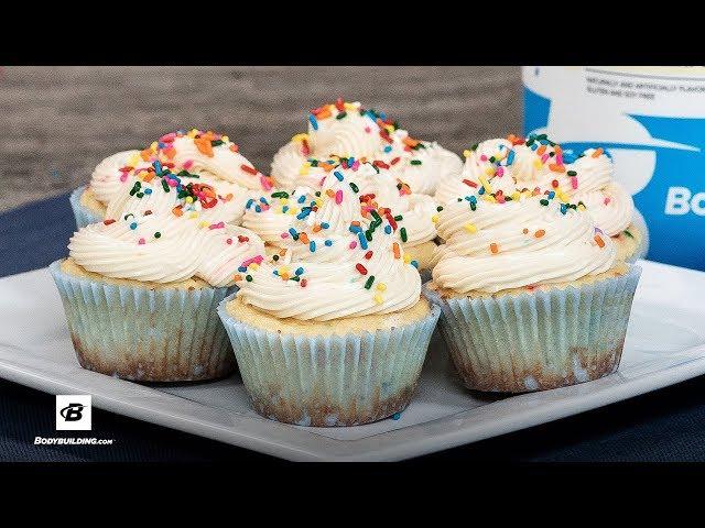 Birthday Cake Protein Cupcakes Recipe [YouTube 動画] クリックで動画がスタンバイされ、もう1回クリックすると再生します