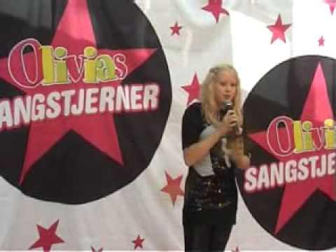 Henriette Nielsen synger