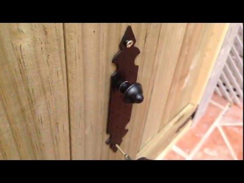 Montaje de puertas para barbacoa