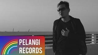 Video Pop - Teguh Permana - Aku Dan Keadaan Saat ini (Official Music Video) download MP3, 3GP, MP4, WEBM, AVI, FLV Mei 2018