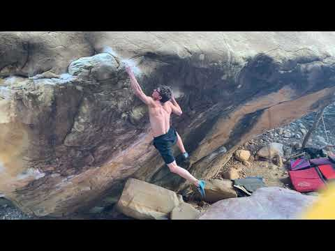 Drew Ruana climbs Sleepwalker (Font 8C+)