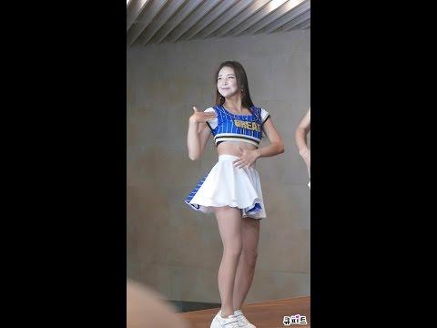 161110 세컨드(Second) 시연 직캠 - 댄스 퍼포먼스(PICK ME) [빼빼로데이 고백콘서트 , 강남역 허브플라자]