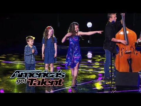 The Willis Clan: Family Band Charms With