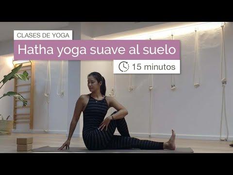Clase De Yoga Para Principiantes Al Suelo 15 Min Youtube