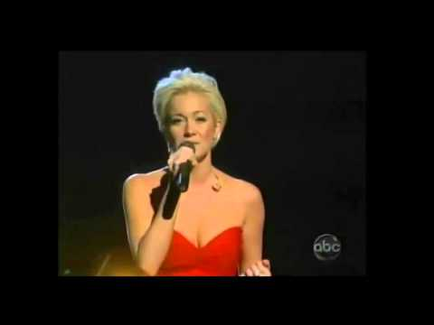 Amazing Kellie Pickler Sings Her Own Song I Wonder & Makes Herself CRY