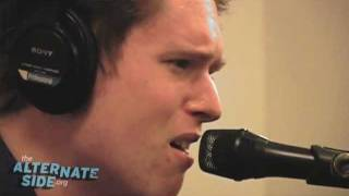 "James Blake - ""Unluck"" (Live at WFUV)"