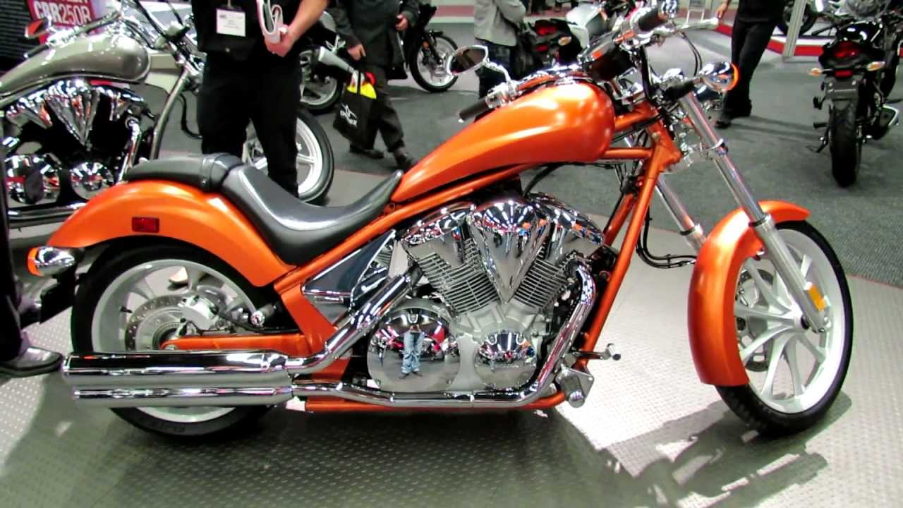 2012 honda vt1300xa fury at 2012 montreal motorcycle show. Black Bedroom Furniture Sets. Home Design Ideas