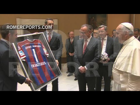 Pope welcomes German soccer team, Bayern de Munich to the Vatican