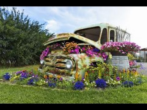 8-stylish-ways-to-use-repurposed-items-in-the-flower-garden