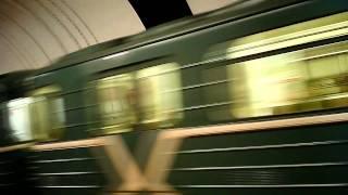 81-717 РУ2 отбывает со станции Сокол(81-717 РУ2 отбывает со станции Сокол Тестирую новую камеру-брелок., 2011-06-21T17:32:18.000Z)