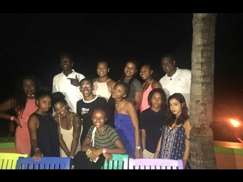 DINNER WITH FRIENDS IN THE BAHAMAS