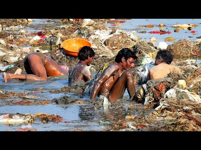 Жизнь в Городе Мертвых! Сжигание Трупов и Отравленный Воздух в Варанаси, Индия.