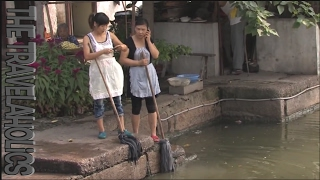 China Tongli streetlife.