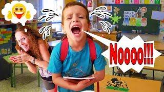 PRIMER DIA DE COLEGIO, ARES EMPIEZA SUS CLASES Y NO QUIERE IR!!! y  Whatsapp de Juegos y Juguetes thumbnail