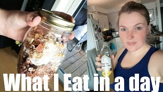 What I Eat In A Day, Grocery Haul + Small Apartment Updates