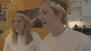 Luciapraktikanterna Britta och Sara får jobba..... på riktigt