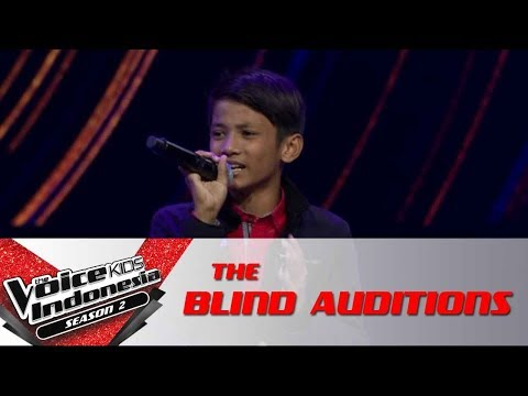 """Edwin """"Don't Stop Me Now""""   The Blind Auditions   The Voice Kids Indonesia Season 2 GlobalTV 2017"""