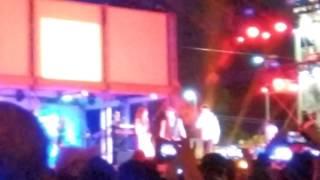 Cada Beso, Sasha, Benny, Erik en vivo