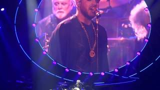 Queen + Adam Lambert - We Are The Champions - The 1st night of the ...