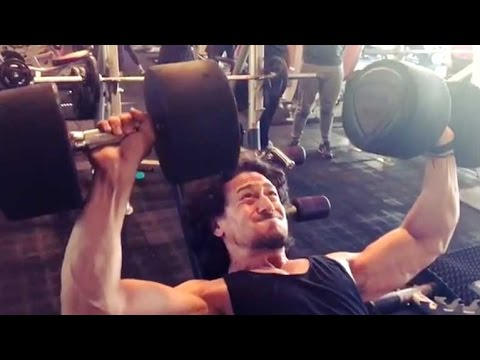 Tiger Shroff's gym workout video leaked!