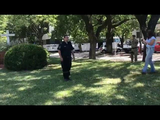 Policia de Santa Fe analiza el uso de BolaWrap (boleadoras) para detener delincuentes