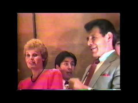 Download CORO INTERNACIONAL DE FRANK GONZALES: EL REY YA VIENE CDMX 1988 HOTEL CAMINO REAL