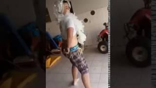 GORDO MUITO LOKO DESCENDO ATÉ O CHÃO AO SOM DE PUMP UP KICKS