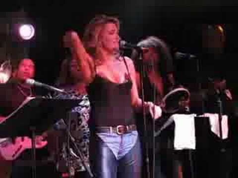 Lucy Lawless sings, 'Tell Mama' - Buddy Guy Legends, Chicago 1007
