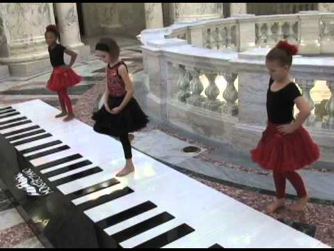 Monster Piano Carol of the Bells