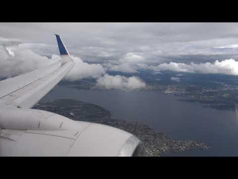United 737-800 landing at Seattle-Tacoma SEA