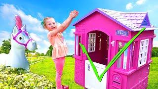 Nastya membangun rumah baru untuk mainan