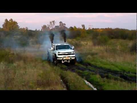 duramax-diesel-mud-run-1