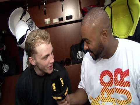 Patrick Kane vs Cabbie (HD)