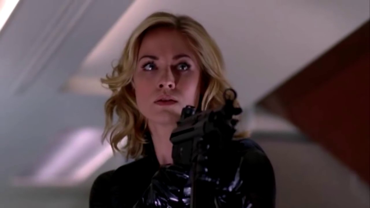 Yvonne Strahovski Chuck leather catsuitdescargaryoutube ... Yvonne Strahovski Leather