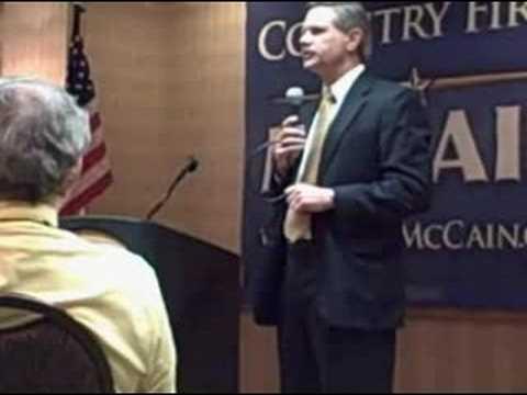 Governor of North Dakota John Hoeven speaks to the Arkansas Delegation Breakfast