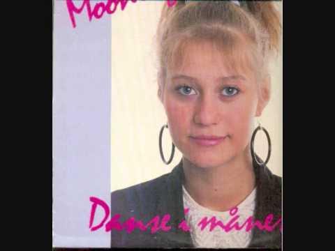 Trine Dyrholm  Danse I Måneskin