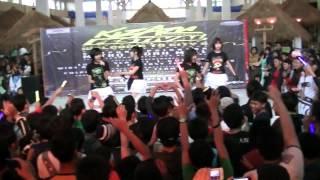 [Lumina Scarlet]  Yuuhi wo miteiru ka  - AKB48 (Dance + Sing Cover) KIZARU FESTIVAL MIM BANDUNG~1