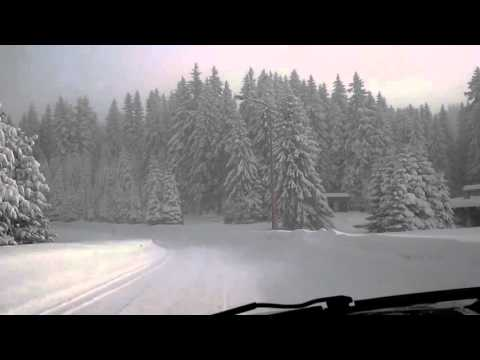 jeep grand cherokee wj deep snow performance youtube. Black Bedroom Furniture Sets. Home Design Ideas
