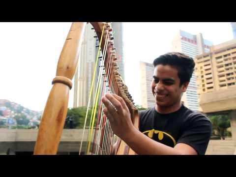 CNCO - Reggaetón Lento (Bailemos) en arpa Johnny Jimenez