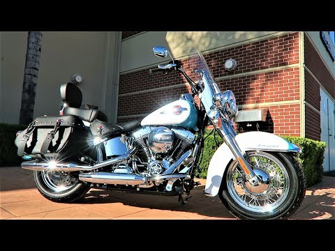 2017 Harley-Davidson Heritage Softail Classic (FLSTC)│Test Ride and Review