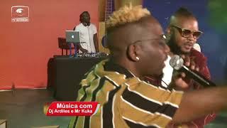 """DJ ARDILES CANTA """"É SÓ FOTO"""" NO MOÇAMBIQUE EM CONCERTO"""