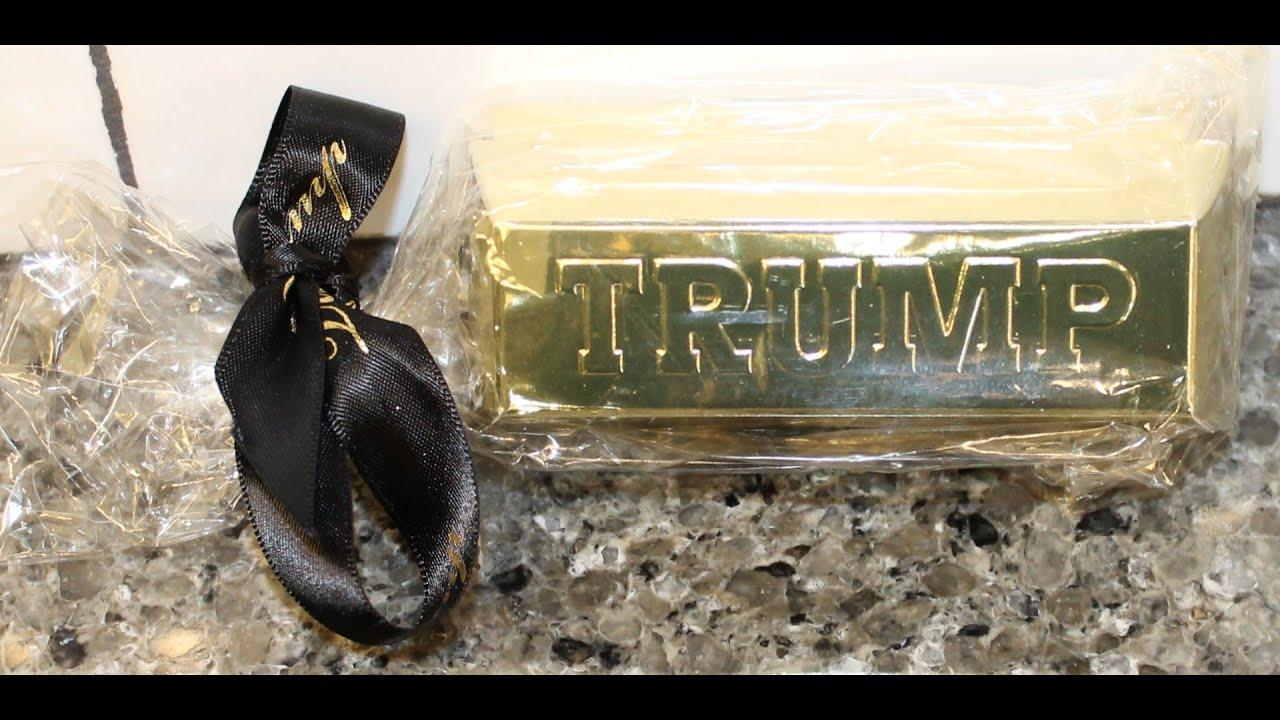 Daar kan je dan weer gouden chocoladerepen kopen met Trumps naam erop